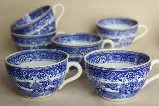 old French faience vintage blue willow pattern china cups made in France & old French faience vintage blue willow pattern china cups made in ...
