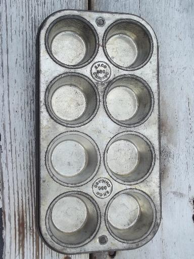 Old Ovenex Ekco Baking Pans Cupcake Muffin Cups For