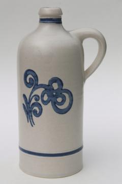 old Pfalzgraff Yorktowne wine decanter bottle, large jug blue & white stoneware pottery