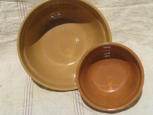 old adobe brown stoneware pottery kitchen mixing bowls, vintage Monmouth?