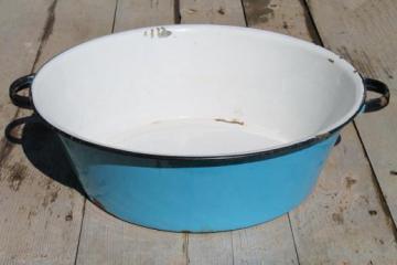 old antique blue & white enamelware dish pan, wash tub or primitive sink basin