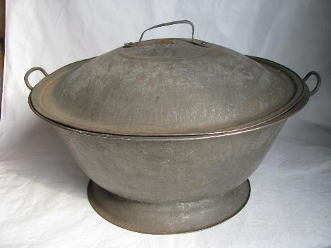 Old Fashioned Bread Bowls