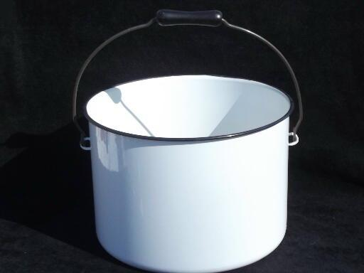 old enamelware kitchen or laundry pail, primitive vintage enamel bucket