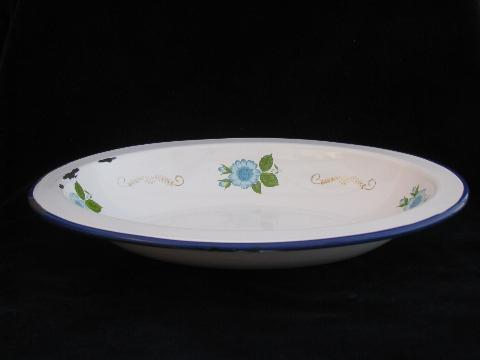 old enamelware vegetable bowl, sky blue flowers, Monterrey - Mexico