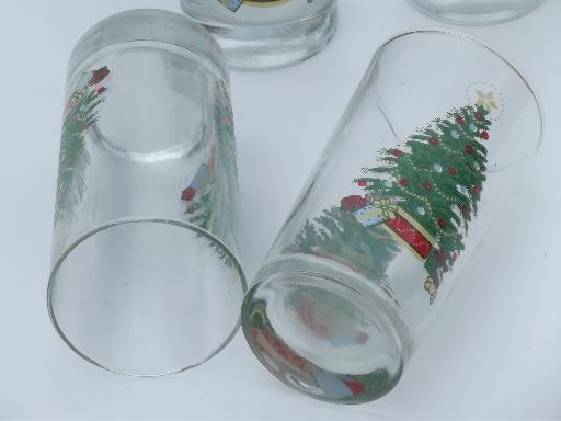 old fashioned Christmas tree  w/ toys glass tumblers, vintage holiday glasses