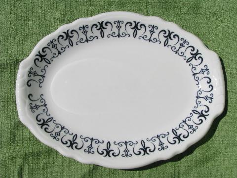 Black white scroll dinnerware