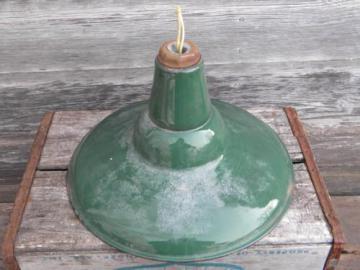 old green/white enamel pendant light, industrial work shop/barn lighting
