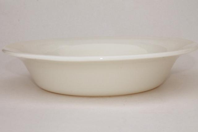 old ivory Corning glass restaurant ware deep dish pie plates or serving bowls & ivory Corning glass restaurant ware deep dish pie plates or serving ...