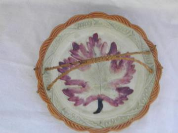 old majolica style painted leaf pattern pottery plate w/ handle, vintage Japan