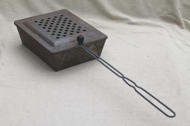 Old Metal Basket Popcorn Popper W Wire Handle Vintage
