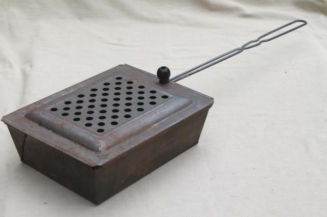 old metal basket popcorn popper w/ wire handle, vintage campfire ...