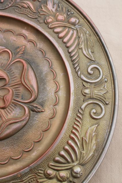Old Rose Medallion Round Ceiling Rose Embossed Brass Tray Or Wall Art W Antique