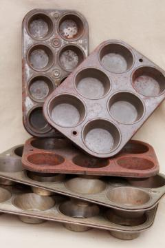 old rusty steel muffin tins, primitive rustic country vintage kitchen baking pans