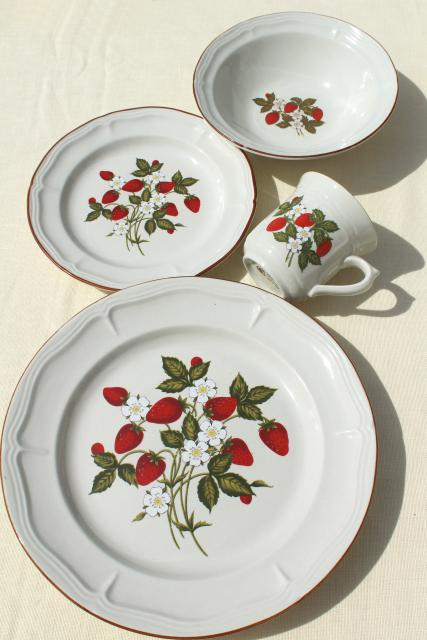 old strawberry pattern 70s 80s vintage gibson stoneware dishes set for 6