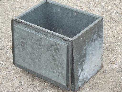 old zinc galvanized metal milk box vintage porch box for milk bottles. Black Bedroom Furniture Sets. Home Design Ideas
