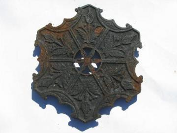 ornate antique cast iron kitchen trivet w/ floral pattern, vintage kitchenware