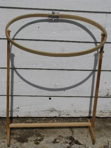 oval wood quilting frame, needlework embroidery hoop on stand : wooden quilt frame - Adamdwight.com