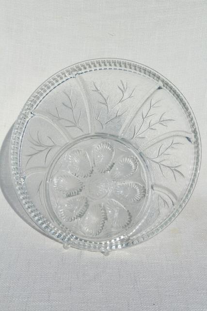 pebble leaf pattern vintage Indiana glass relish tray deviled egg plate serving platter & pebble leaf pattern vintage Indiana glass relish tray deviled egg ...