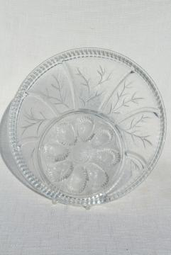 pebble leaf pattern vintage Indiana glass relish tray deviled egg plate serving platter