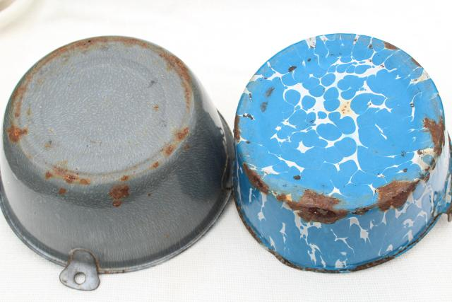 primitive antique vintage enamelware buckets, shabby old kettles w/ wire bail handles