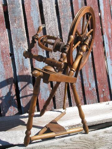 Primitive Antique Vintage Wood Spinning Wheel For Homespun