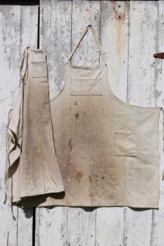 primitive grubby homespun work apron lot, antique vintage cotton flour sack fabric aprons