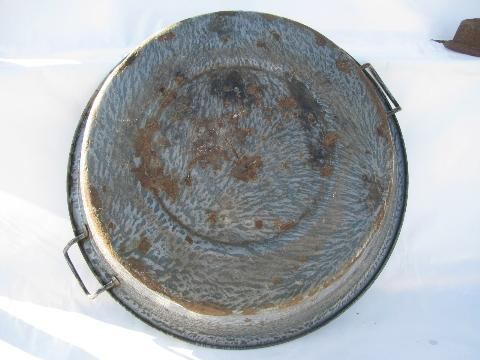 primitive old antique graniteware enamel dishpans or laundry tubs, vintage kitchen utility ware