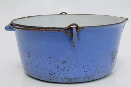primitive old blue & white enamel cast iron pot w/ wire bail handle for campfire cooking