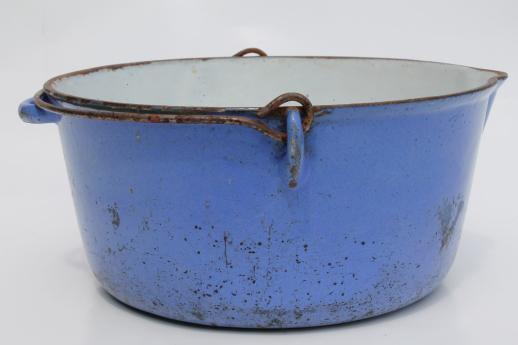 Primitive Old Blue Amp White Enamel Cast Iron Pot W Wire