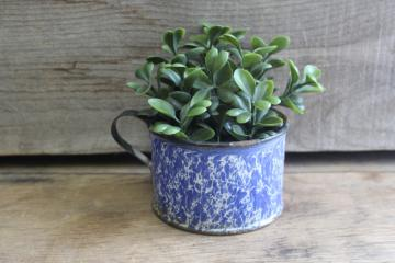primitive old blue & white spatterware enamel ware cup, farmhouse style planter pot