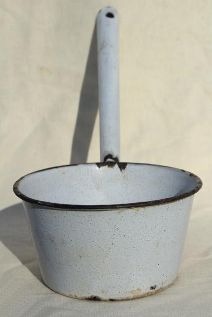 primitive old enamelware water dipper, rustic vintage farmhouse kitchen ladle