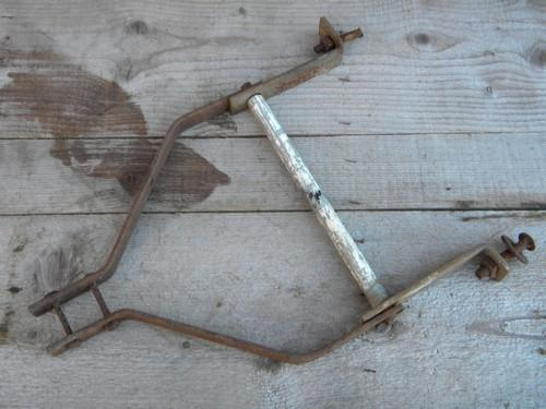 primitive old iron tongue / handle assembly for child's size farm wagon