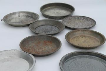 primitive vintage cake baking pans & pie plates, antique graniteware & tin pans
