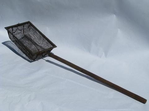primitive vintage campfire popcorn popper, wood handle & wire basket
