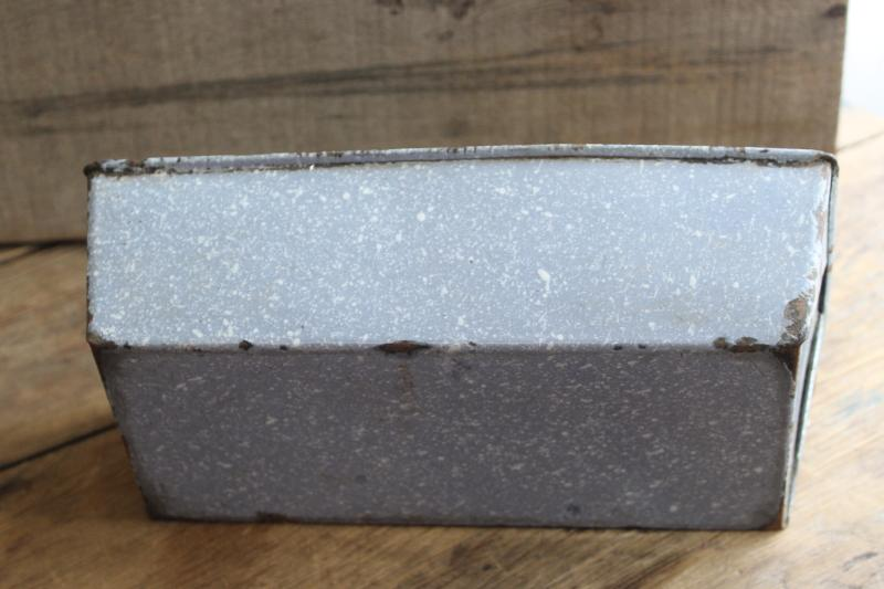 Primitive Vintage Graniteware Enamel Ware Bread Loaf Pan