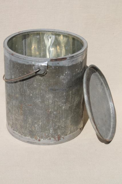 primitive vintage zinc tin bucket, old metal lunch pail w/ wire bail handle & lid