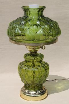 quilted glass table lamp w/ chimney shade, 60s vintage Victorian lamp fern green color