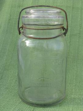rare White Bear bail lid mason canning jar, Durand & Kasper, Chicago