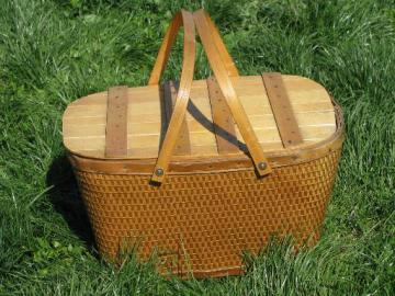 retro 40s 50s vintage picnic hamper, basket w/ original Red-Man label