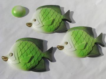 retro green fish family, kissy goldfish wall plaques, vintage Miller chalkware