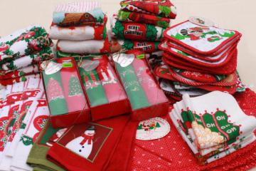 retro vintage Christmas towels, potholders etc. lot unused holiday kitchen linens