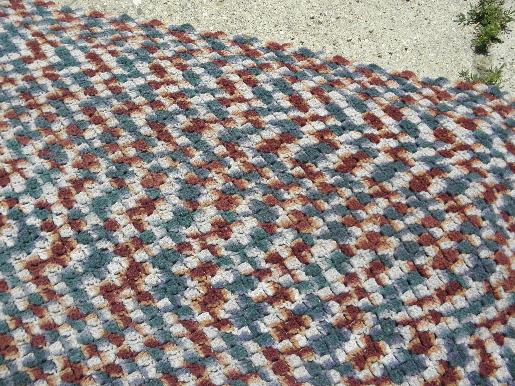 retro vintage handmade crochet varigated tweed yarn 'rag rug' throw rug