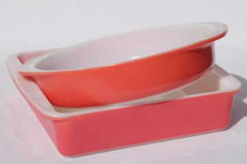 retro vintage pink Pyrex baking dishes 221 & 222 round dish, square cake pan