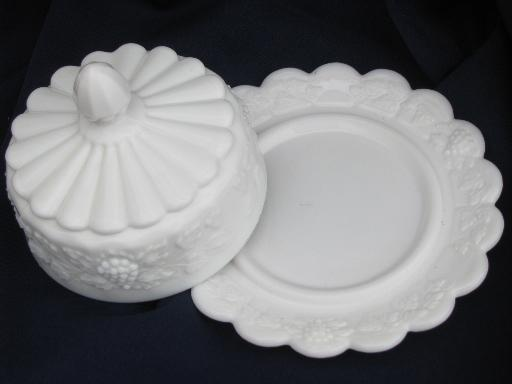 round covered butter plate dish, Westmoreland paneled grape milk glass