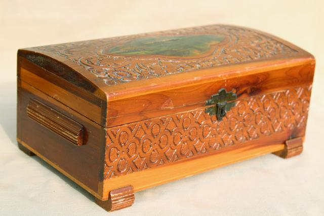 Astonishing Rustic Vintage Cedar Wood Keepsake Boxes Shabby Chic Interior Design Ideas Lukepblogthenellocom
