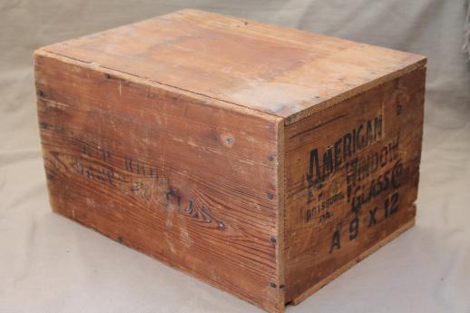 Rustic Vintage Wood Crate, Old American Window Glass Wooden Shipping / Storage  Box