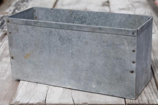 Popular rustic vintage zinc planter, old farm primitive galvanized metal  KH74