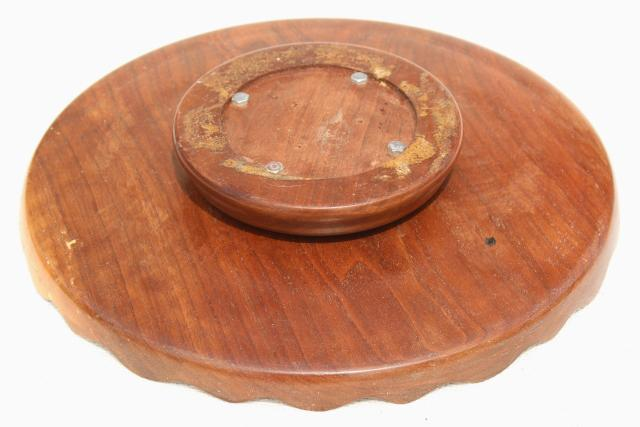 rustic wood cake plate or serving tray vintage carved wooden lazy susan w/ scalloped edge  sc 1 st  Laurel Leaf Farm & rustic wood cake plate or serving tray vintage carved wooden lazy ...