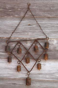 rusty bells wind chime, primitive wrought iron garden decor / yard art wind chimes