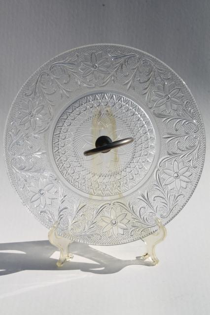 sandwich pattern vintage depression glass serving tray cake plate w/ center handle